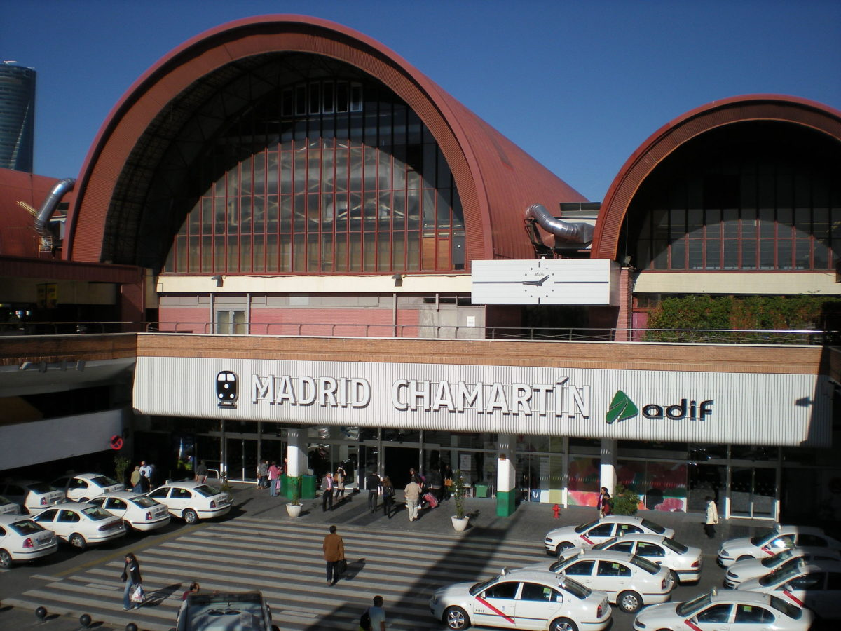 The joint venture formed by b720 Arquitectos, UNStudio and ESTEYCO, finalist to design the Chamartín station.